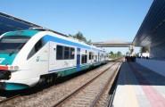 Si toglie la vita sdraiandosi sui binari lungo la linea ferroviaria Sassari-Ozieri