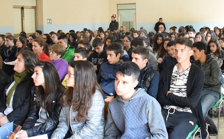 Dialogare, celebrare, fare festa. Incontro diocesano dei giovani ad Arzana