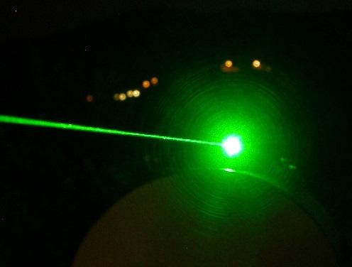 Un puntatore laser in tasca. Denunciato uno studente di Tortolì