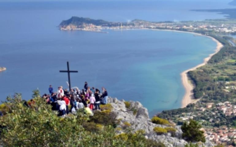 A Santa Maria Navarrese la Via Crucis sul monte Pittaine