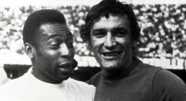 Amarcord Cagliari: quando Riva incontrò il Santos di Pelè in amichevole al Sant'Elia