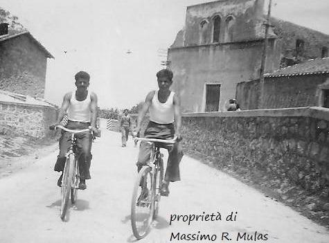 Come eravamo. Tortoliesi in bicicletta negli anni 50