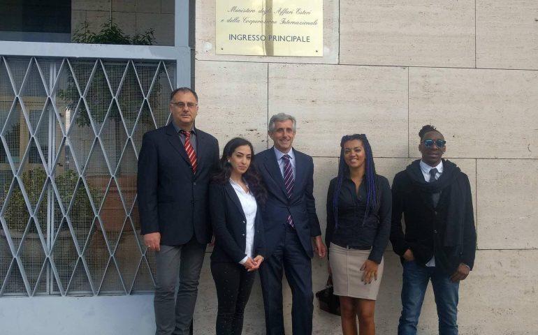 Riforma sulla cittadinanza: incontro alla Farnesina per la studentessa sardo-marocchina Ilham Mounssif