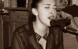 Simona Mascia, la cantante tortoliese dall'animo blues si racconta