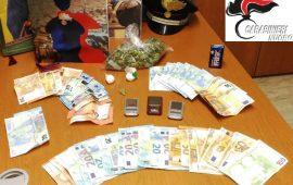 Arrestato per spaccio un giovanissimo di Bari Sardo. Trovato dai carabinieri con marijuana, cocaina e contanti
