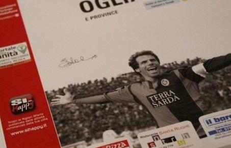 Gianfranco Zola nella copertina del nuovo elenco telefonico Nuoro-Ogliastra