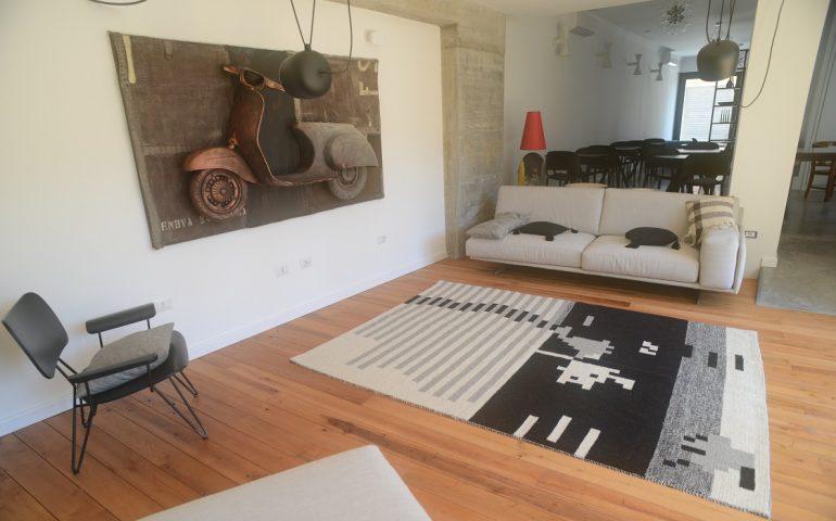 """""""Melodie"""", il nuovo tappeto """"musicale"""" di Joias realizzato interamente a mano con il telaio tradizionale"""
