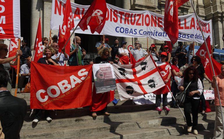 """300 insegnanti oggi in piazza a Cagliari: """"Riaprite le graduatorie"""""""
