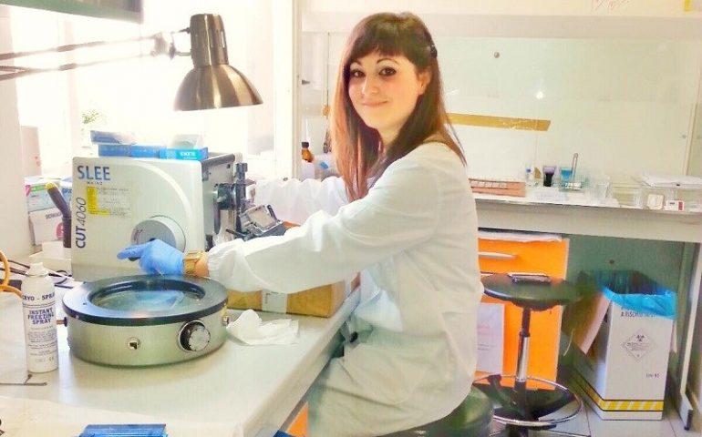 Il tecnico di laboratorio Ilaria Mulas: da Bari Sardo all'Inghilterra con la passione per l'Anatomia Patologica