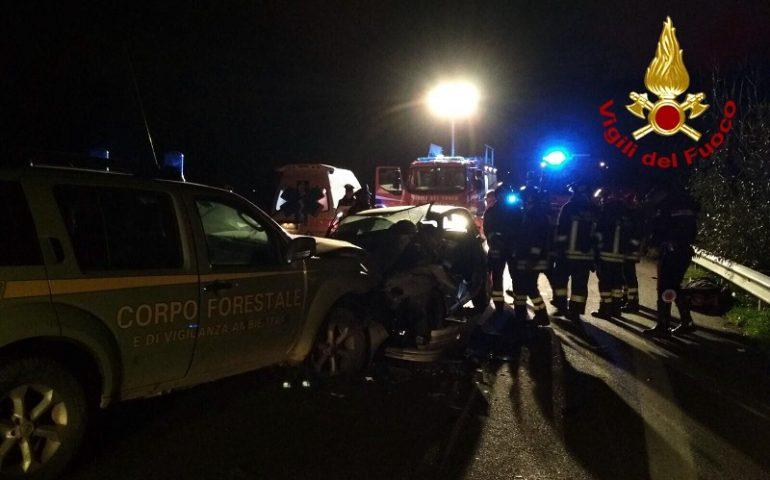 Incidente stradale sulla 389. Uomo liberato dalle lamiere dai Vigili del Fuoco