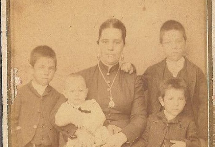 Come eravamo. Cartoline dal passato: immagine di famiglia, Bari Sardo, fine Ottocento