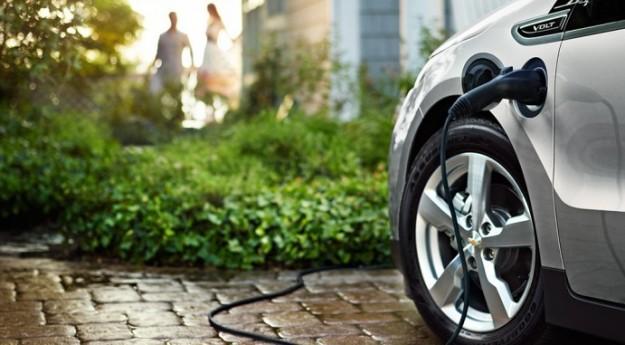 Mobilità elettrica, pioggia di euro dalla Regione per sostituire i veicoli a motore