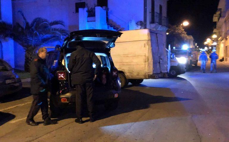 Tortolì: furgoncino contro palo della luce, conducente finisce all'ospedale