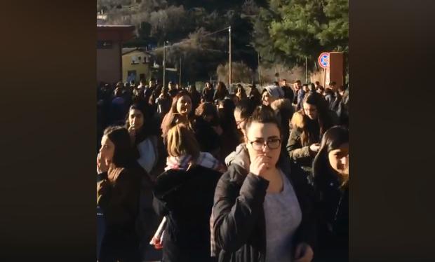 Studenti accanto ai pastori sardi: la protesta stamane anche al liceo L. Da Vinci di Lanusei