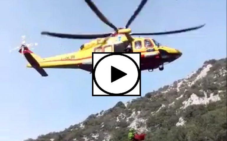 (VIDEO) Lo spettacolare intervento del Soccorso Alpino ieri nel Supramonte di Baunei