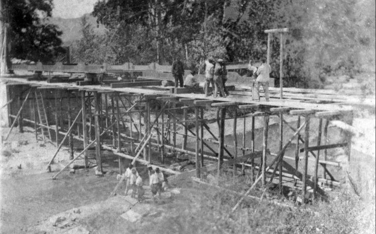 Come eravamo. La costruzione del Ponte di Ferro a Tortolì nei primi anni del 900