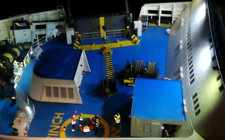 Infarto a bordo della Tirrenia. Giovane passeggero tratto in salvo dall'Aeronautica Militare