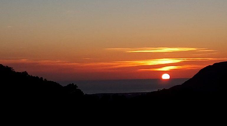 Le foto dei lettori. Paesaggi ogliastrini: la bellissima alba vista da Villagrande