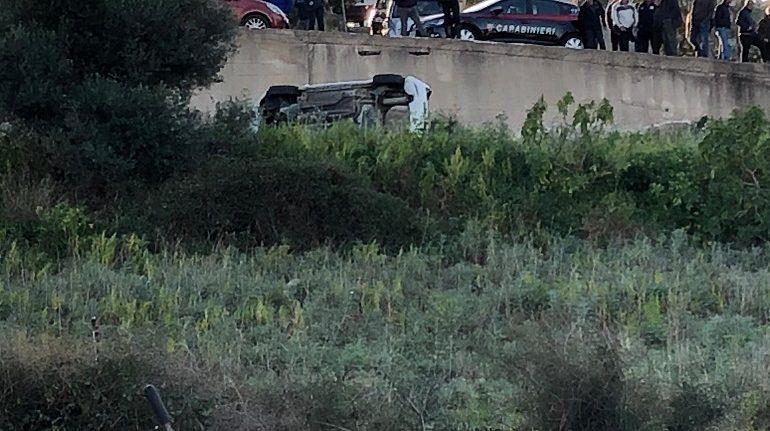 Bari Sardo, precipita con l'auto dal muraglione e rifiuta gli accertamenti su alcol e droghe: denunciata