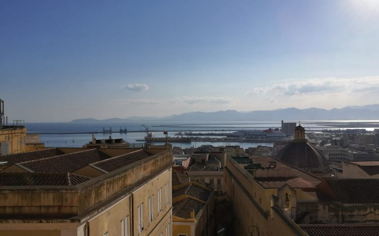 Cagliari? La città con il clima ideale: 8 ore al giorno di sole e 17 gradi di temperatura media. Parola di Sole 24 Ore
