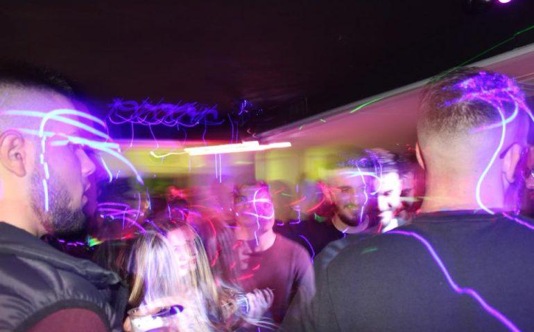 Divertimento ma in sicurezza. In Ogliastra in discoteca si va in autobus: parte alla grande il progetto di Congiu e Loi