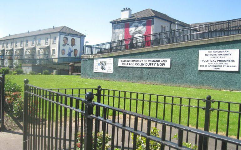 Irlanda del Nord, scontri nella città del 'Bloody Sunday': muore una giornalista di 29 anni