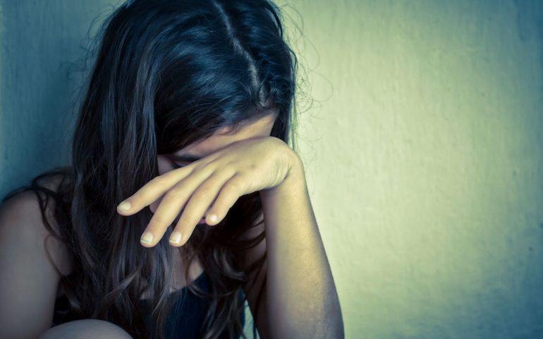 292f7cfa9f Prete violenta bambina di 12 anni, indagata anche la madre della piccola  per favoreggiamento