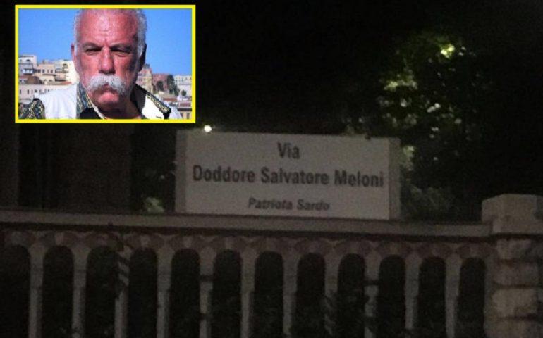 Sostituiscono la targa della via con una dedicata a Doddore Meloni. Blitz notturno in pieno centro a Brescia