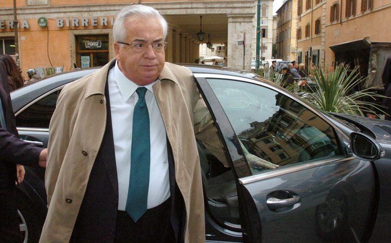 È morto Giuseppe Ciarrapico. L'ex senatore e presidente della Roma aveva 85 anni