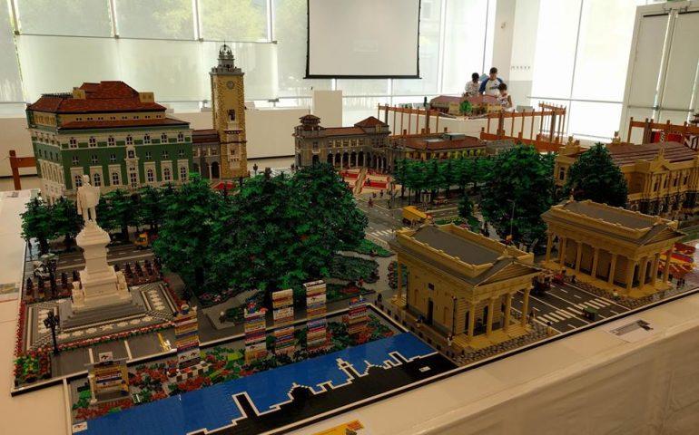 Senza confini. Bergamo fatta di mattoncini Lego, la straordinaria creazione di sette appassionati