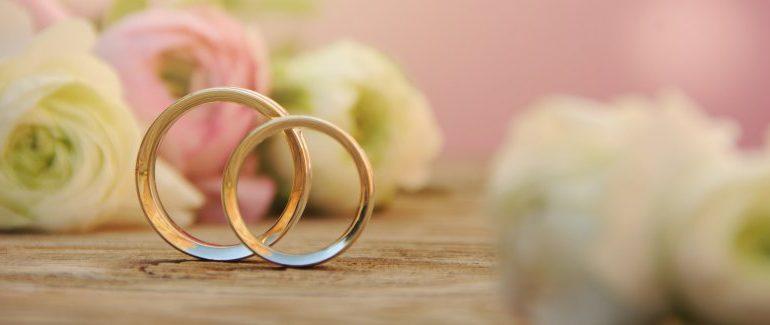 Abruzzo: trovano lo sposo a letto con l'amico durante la festa di nozze
