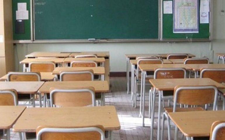 Catanzaro: tutti i compagni in gita e lui, disabile, viene lasciato solo in classe