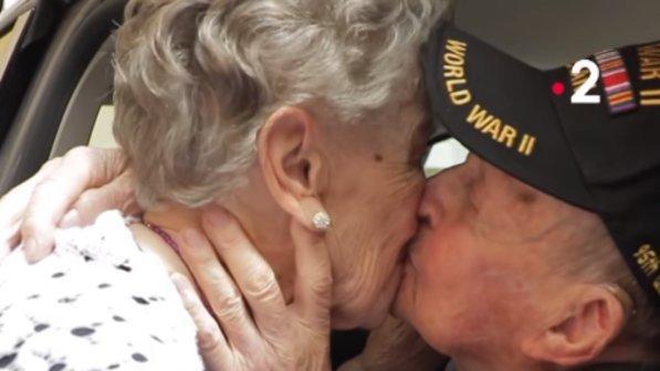 Dopo 75 anni si rincontrano: veterano di guerra ritrova il suo primo grande amore mai dimenticato