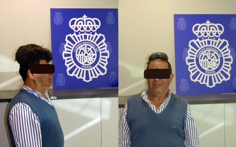 Spagna: trafficante colombiano nasconde mezzo chilo di cocaina sotto il parrucchino