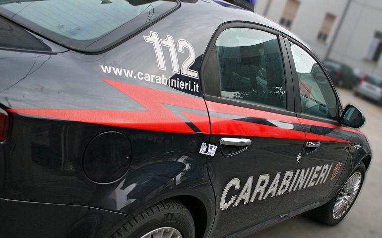 Tragedia a Benevento: neonato trovato morto, la madre lo lancia in una scarpata