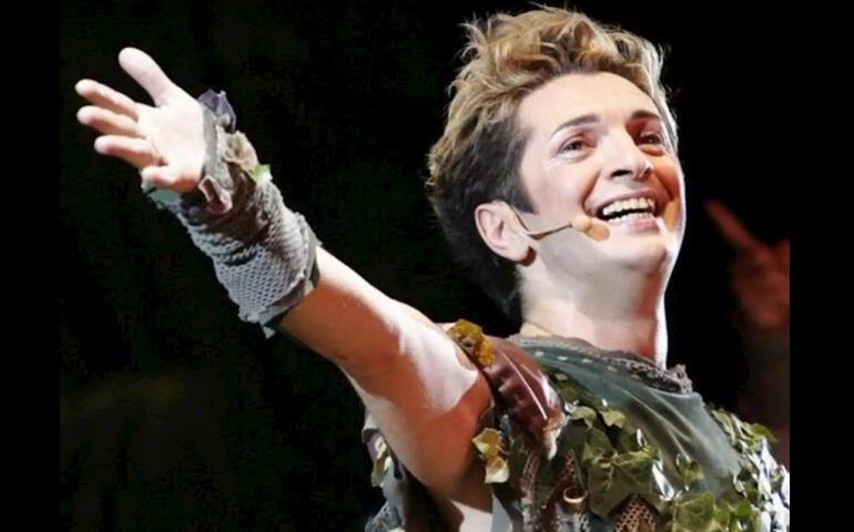 Malore prima di andare in scena: muore Manuel Frattini, re del musical italiano. Aveva 54 anni