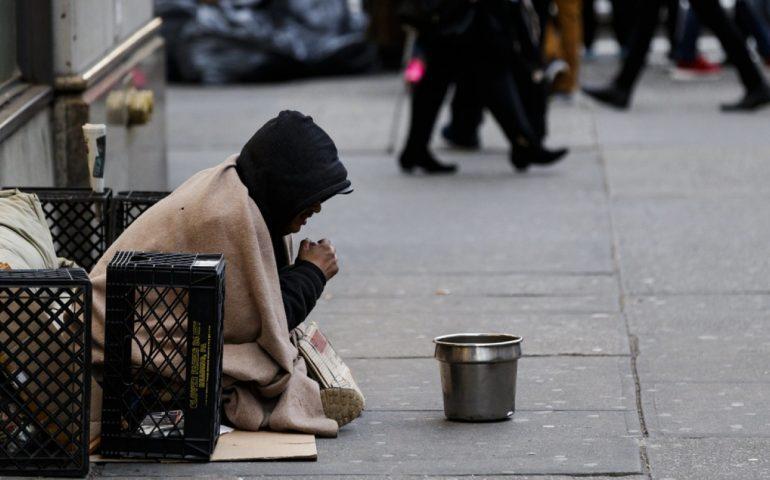 New York, 4 senzatetto uccisi a sprangate