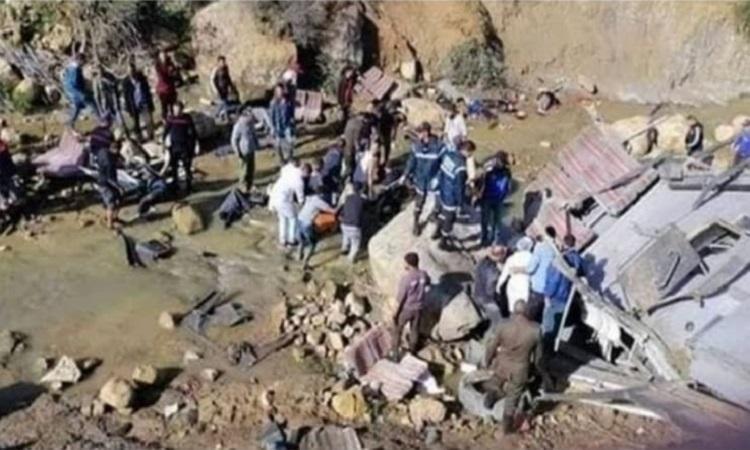 Tunisia, pullman esce di strada e finisce in una scarpata. Almeno 22 i morti, tutti tra i 20 e i 30 anni