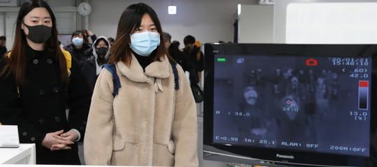 Coronavirus: atterrato a Roma il volo da Wuhan, passati allo scanner oltre 200 passeggeri