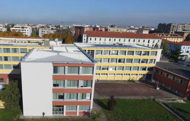 Monza, nell'arco di 15 giorni due studenti del liceo Frisi si sono tolti la vita. Comunità sotto shock