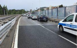 Immagine dell'incidente stradale che ha coinvolto sette automobili a Cagliari, sull'Asse Mediano di scorrimento veloce.