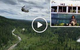 """Immagine del """"Magic Bus"""" spostato in Alaska."""