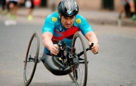 Immagine di repertorio del campione paralimpico Alex Zanardi.