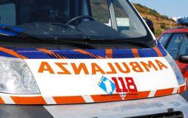Immagine di repertorio di un'ambulanza del 118.