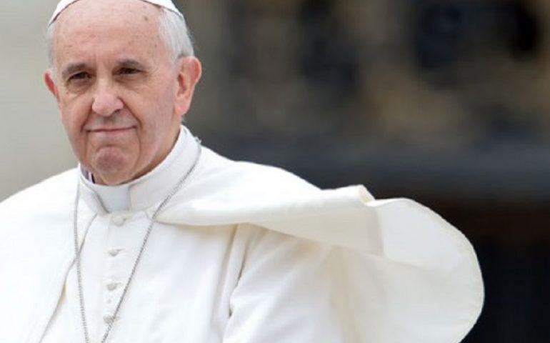 """Papa Francesco: """"Alcuni mi volevano morto, qualcuno già preparava il Conclave"""""""