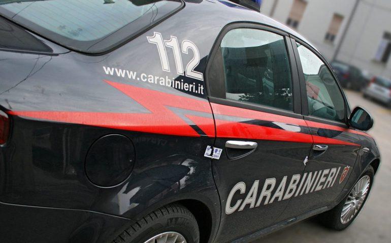 """""""Meglio il carcere a mia suocera"""": aggredisce i carabinieri per passare dai domiciliari alla prigione"""