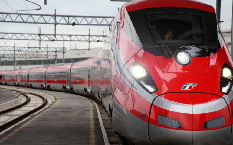 Speranza obbliga le compagnie ferroviarie a mantenere il distanziamento sui treni