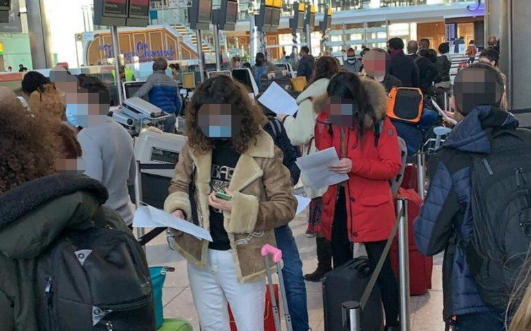 Italiani ed europei senza visto bloccati alla frontiera in Gran Bretagna: tutti rimpatriati