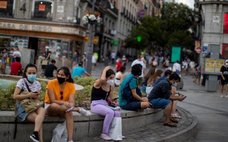 La Spagna non rinnova lo stato di emergenza e abolisce il coprifuoco