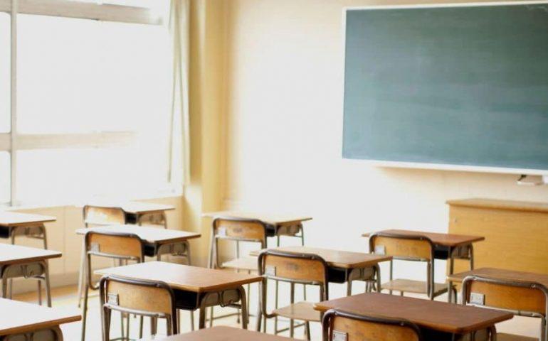 """Professoressa alla classe, parlando di uno studente nordafricano: """"Bisogna isolare quello scimpanzé"""""""